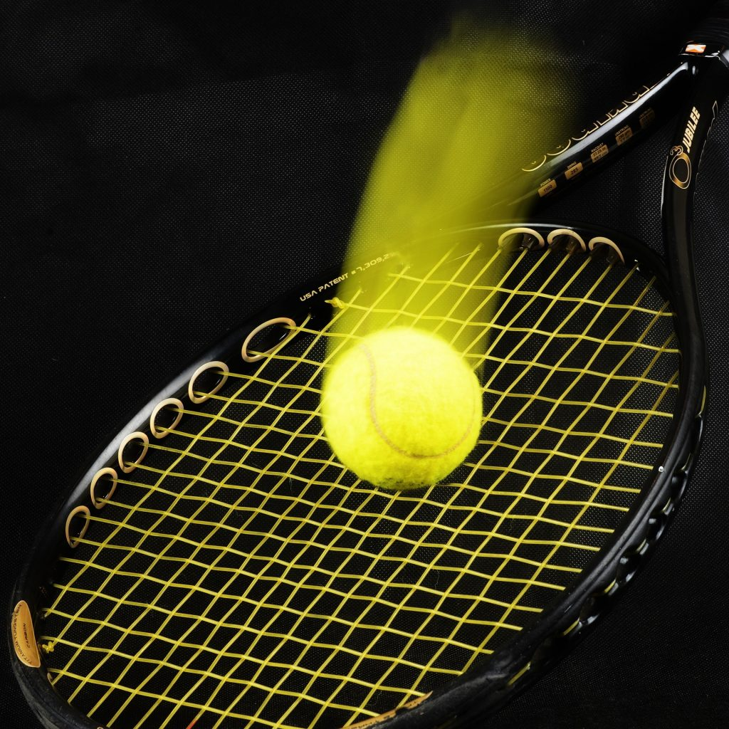 Balle de tennis élan